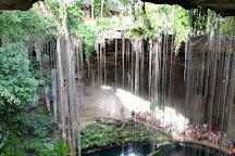 Cenote Ik kil, Chichen Itza, Mexico