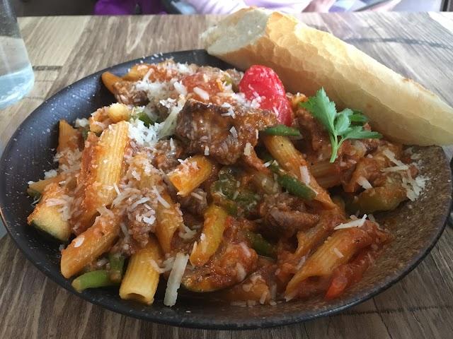 Lyst Cafe, Bar & Food