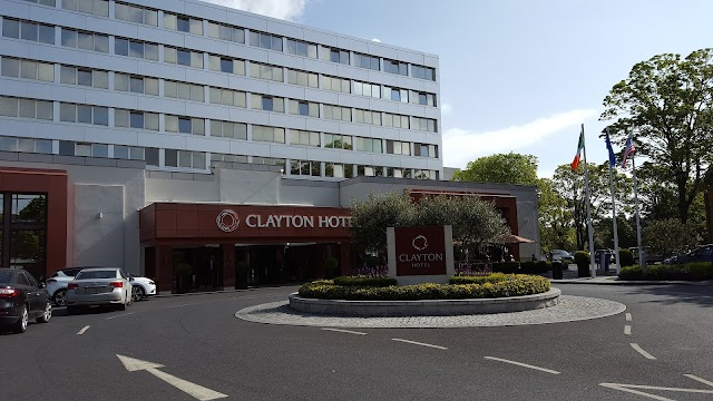 DoubleTree by Hilton Dublin - Burlington Road