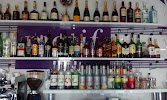 Motif karaoke bar