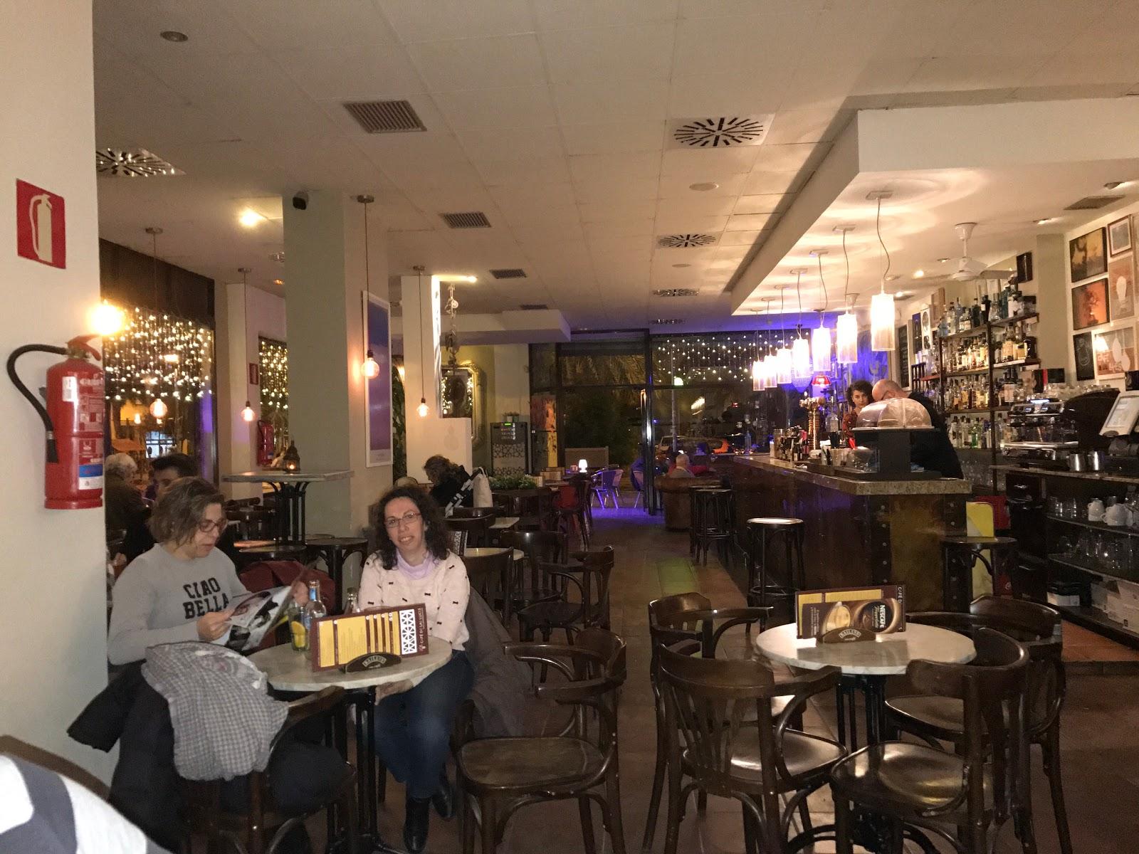 Café De Las Luces: A Work-Friendly Place in Valencia