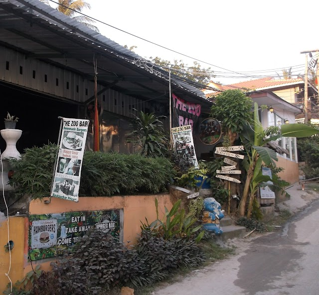 The zoo bar & hostel