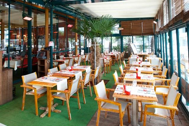 Globe Trotter Cafe