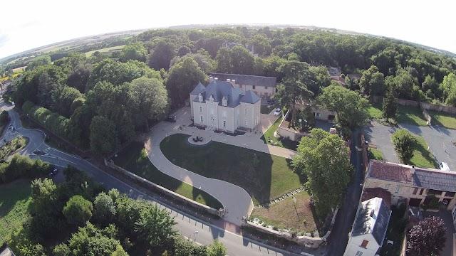 Le Petit Chateau des Cedres