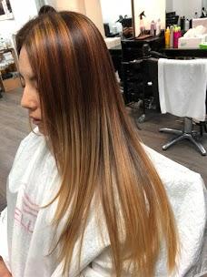 Hair & Nail Illusion髮之夢理髮屋 oxford