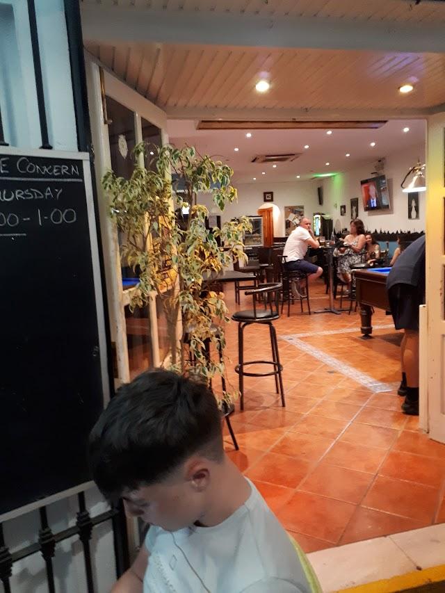 OASIS Lounge Bar