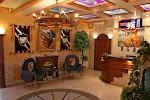 """Отель """"Камелот"""", улица Мельникова, дом 4 на фото Киева"""