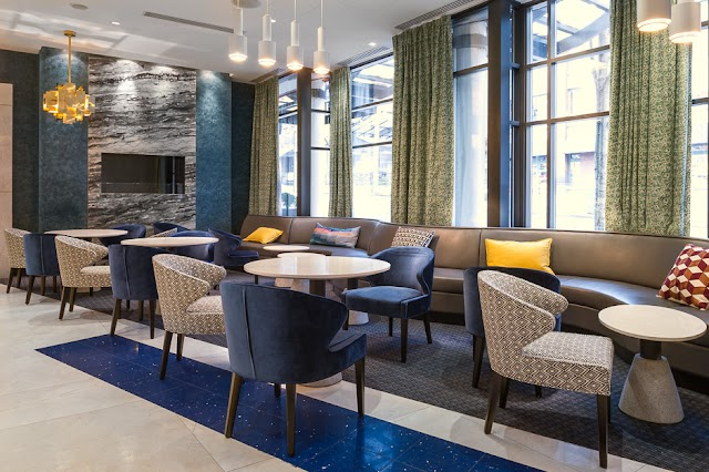 Luxury Hotels in Vancouver : Opus Hotel