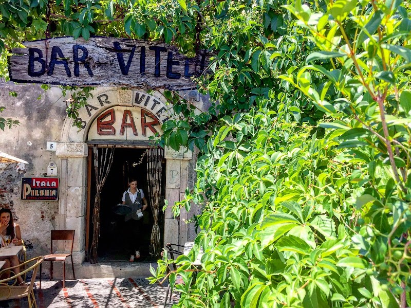Bar Vitelli