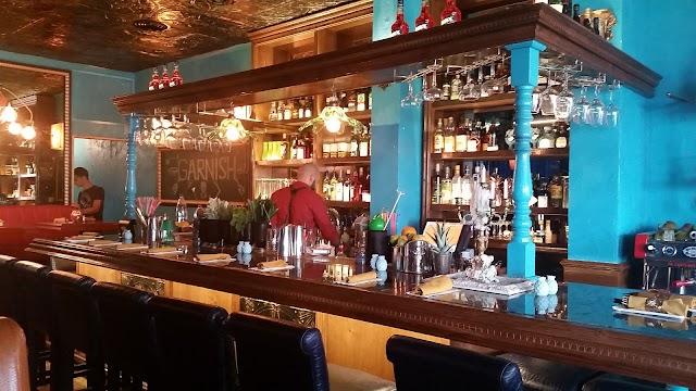 גרניש בר Garnish bar