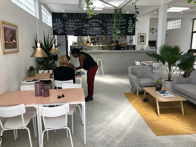 Lulu Home Interior & Café - Dakar
