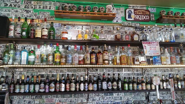 McKraut's Bar & Restaurant