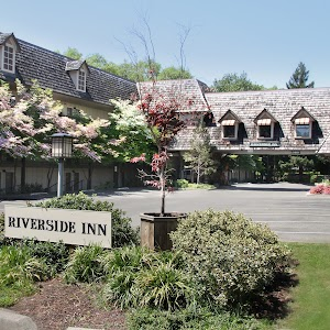 Riverside Inn Resort
