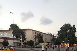 Станция метро  Vezneciler