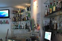 Friends Bar, Olhos de Agua, Portugal
