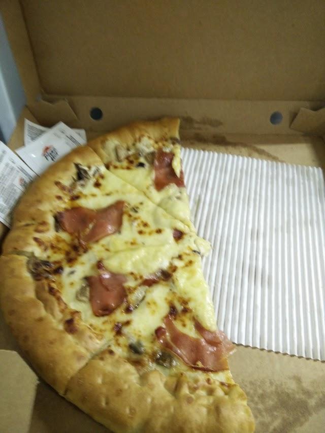 Pizza Hut Weyler