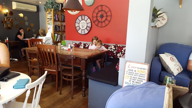 Unwritten Bookshop Cafe