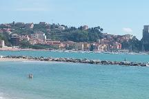Spiaggia Di San Terenzo, San Terenzo, Italy
