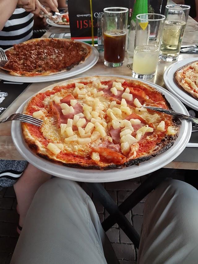 Restaurant en Pizzeria Pinoccio Korenmarkt