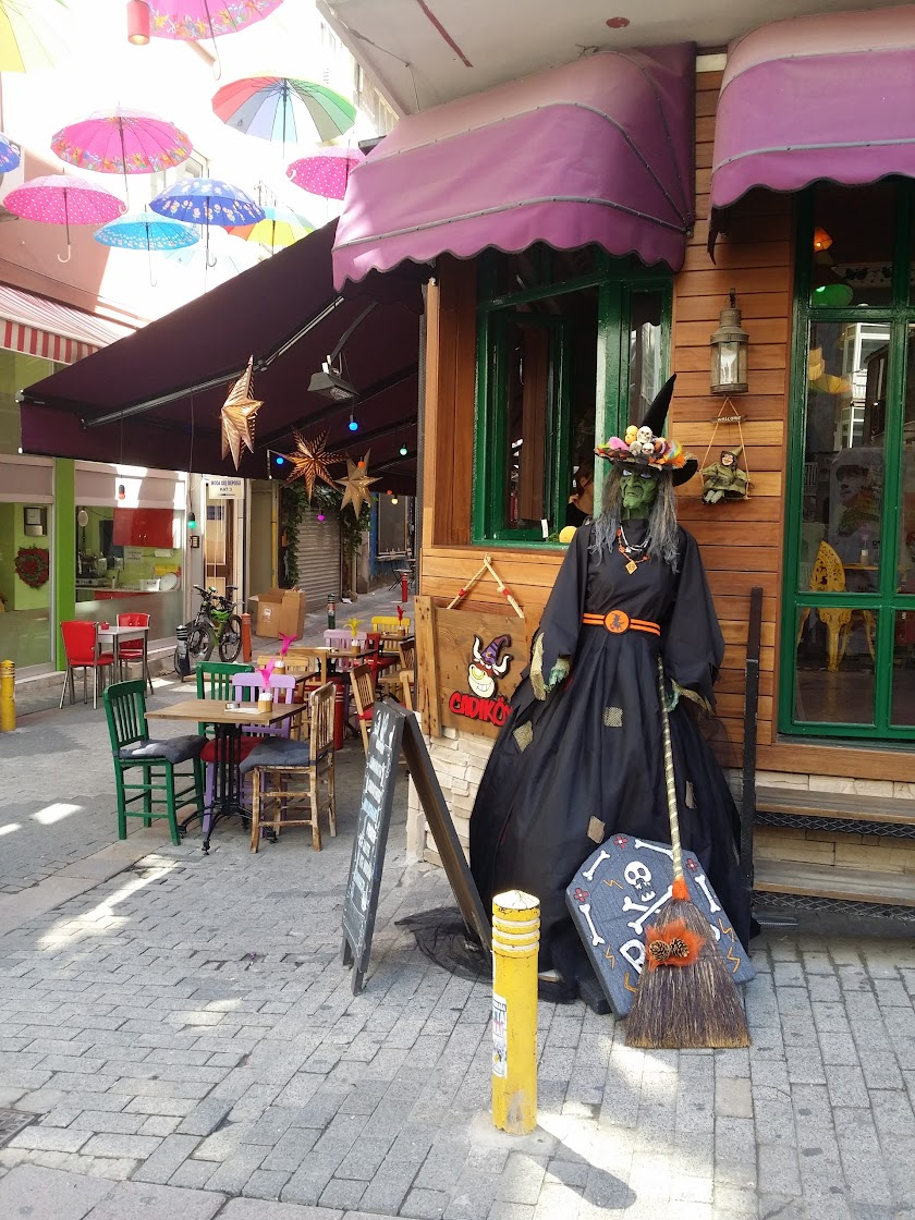 Cadıköy Cafe Resim 3