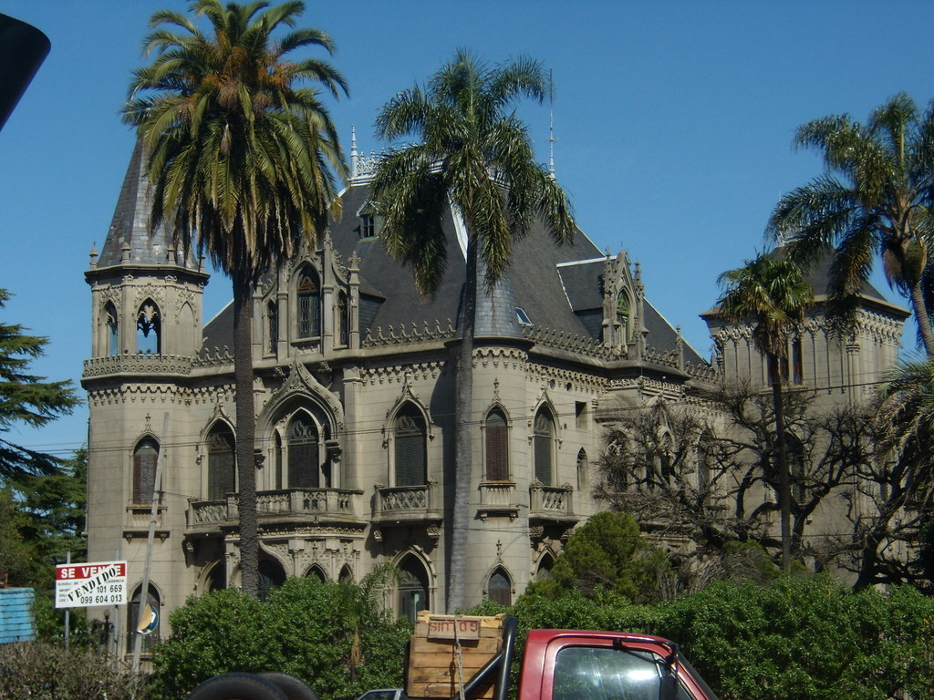 Фото Монтевидео: Castillo Soneira, Colegio San Pablo