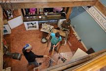 Three Crow Glass Studio, Quebec City, Canada