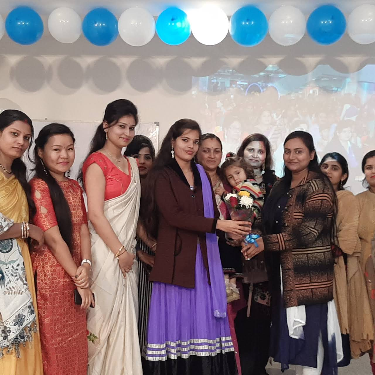 W P I F D Women S Paradise Institute Of Fashion Design Fashion Design School In Bhopal