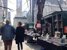 Strand Books Kiosk new-york-city USA