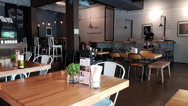 Dexter Café & Bar
