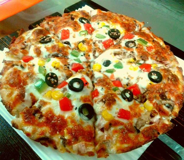 پیتزا زیتون