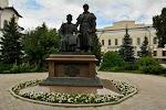Памятник зодчим Казанского кремля на фото Казани