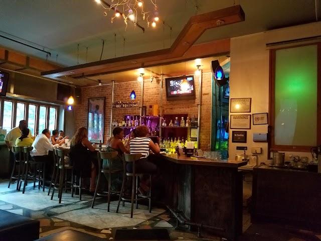 Moca Restaurant & Lounge