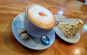 CHOCOLATE & CAFE BOUTIQUE 5