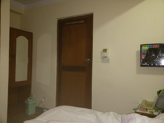 Hotel Dolphin (होटल डल्फिन)