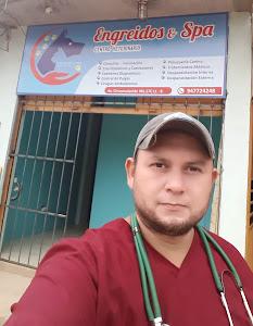 ENGREÍDOS & SPA CENTRO VETERINARIO Y PELUQUERÍA CANINA 8