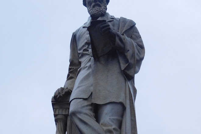 Monumento a Giuseppe La Farina, Turin, Italy