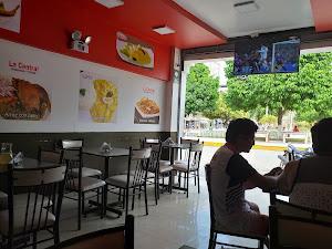 La Central Restaurante Polleria 3