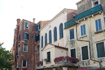 Banco Rosso Tours, Venice, Italy