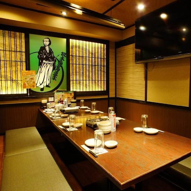 """Hana no Mai West Shinjuku| Seafood pub"""