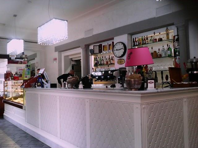 Cafe Le Blanc