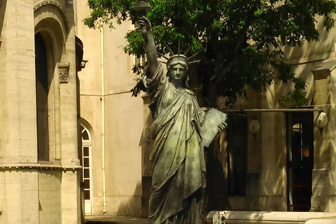 Square du General Morin, Paris, France