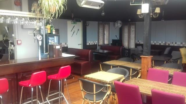 Symbol Cafe Teras Restaurant Nargile
