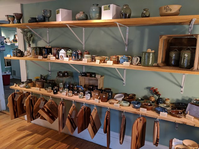 Colonial Pottery & Creamery