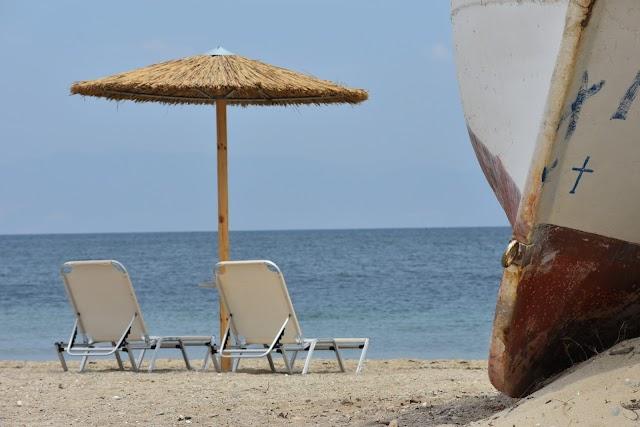 Yalos Beach Bar