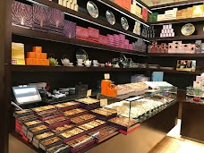 Vivel Patisserie dubai UAE