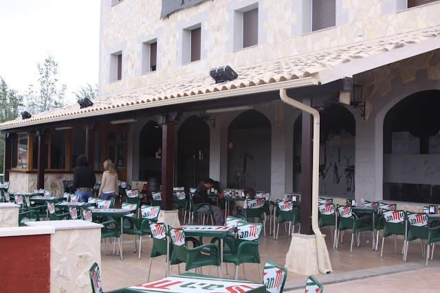 Hostal-Restaurante La Zarza