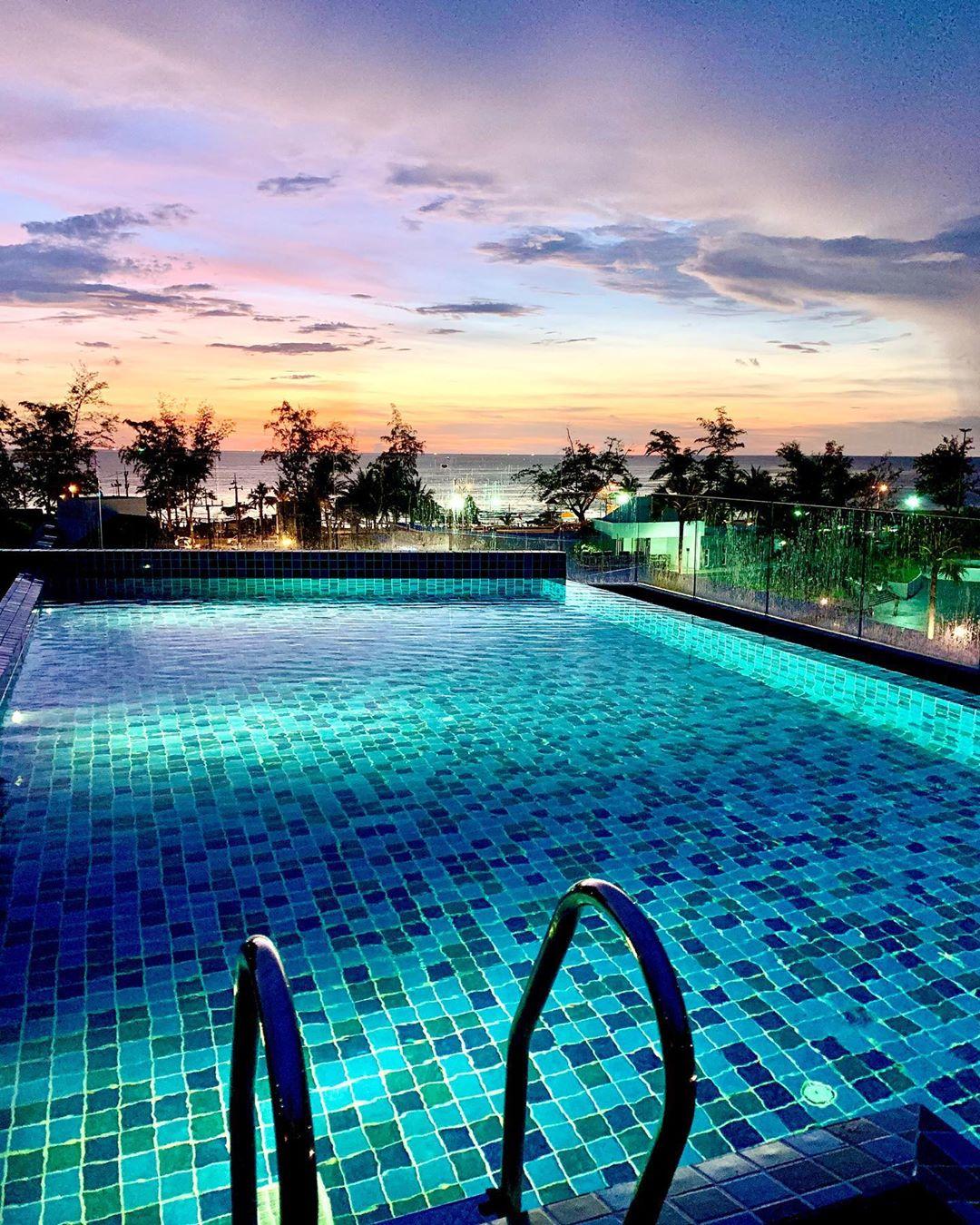 phoenix karon beach hotel
