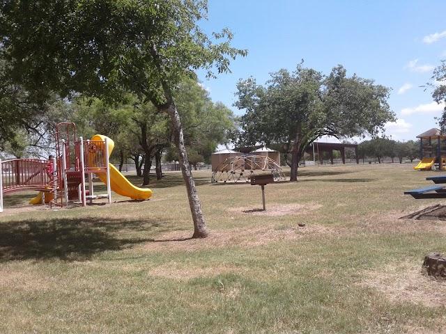 Jourdanton park