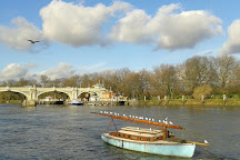 Richmond Lock and Weir, Richmond-upon-Thames, United Kingdom