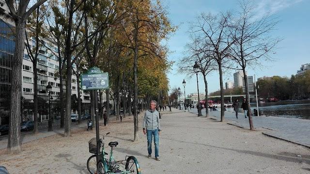 Promenade Signoret Montand